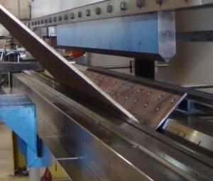 Doblado en prensa de laminas de acero y distintos metales en varios calibres en Monterrey